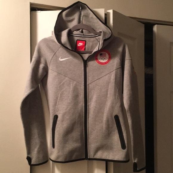 f3a0fb9058fa Nike women s team USA jacket size M. M 5b25be482beb794a87ef7d94